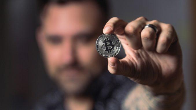 trgovci binarnim opcijama i forexom ulagati protiv bitcoina]